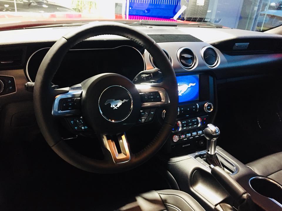 Interieur Nieuwe Ford Mustang bij AB Automotive