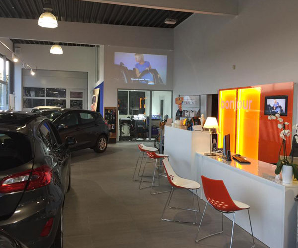 Entree Showroom AutoLuttre