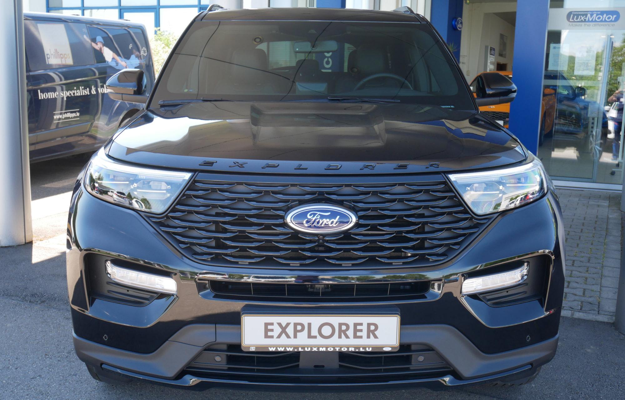Ford Explorer LuxMotor