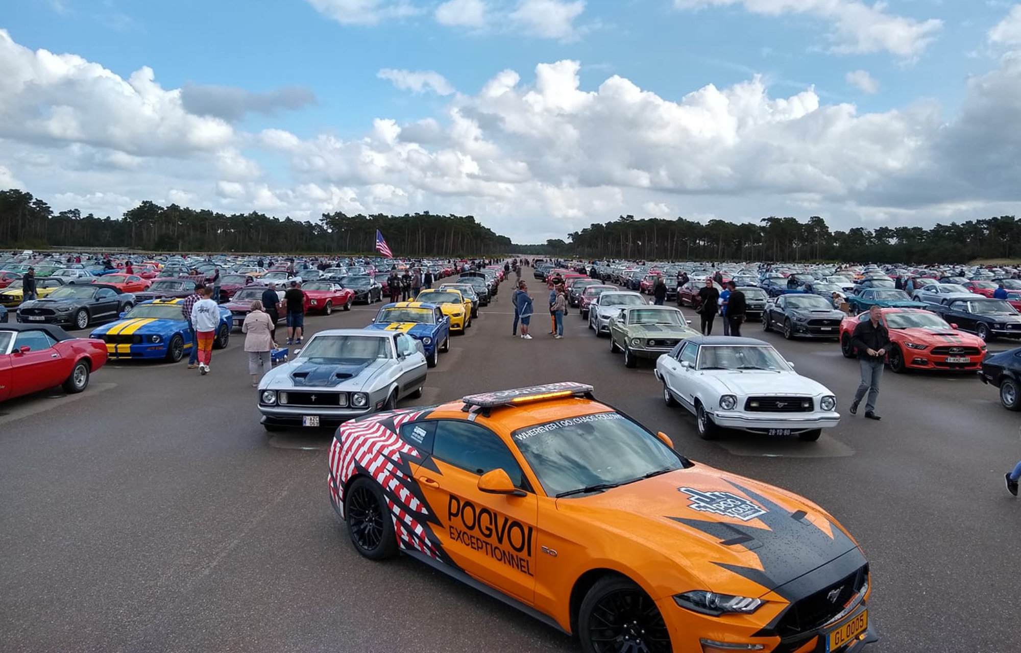 Ford Mustang Parade