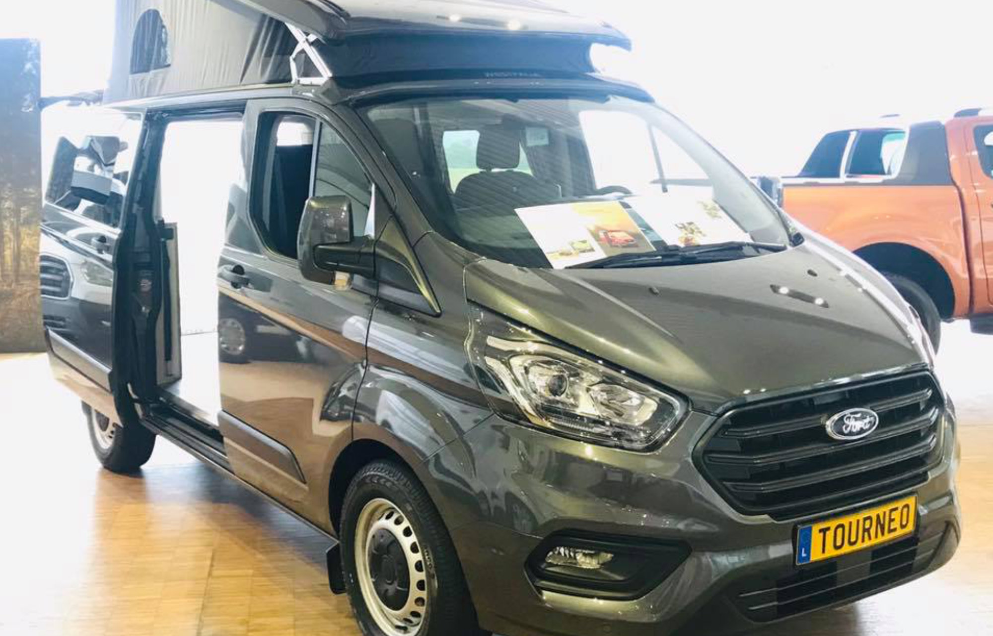 Nouveau Ford Transit Custom Nugget