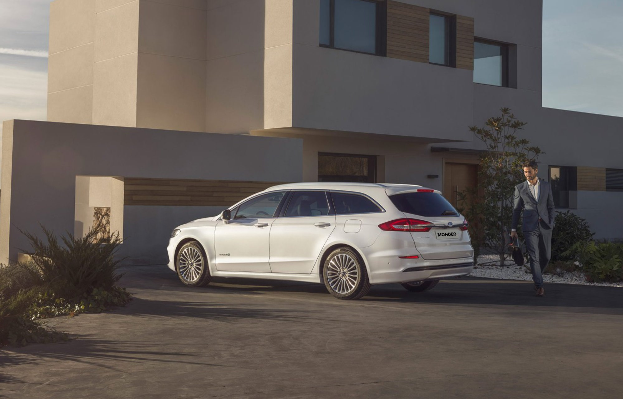 Nouvelle Ford Mondeo Hybrid