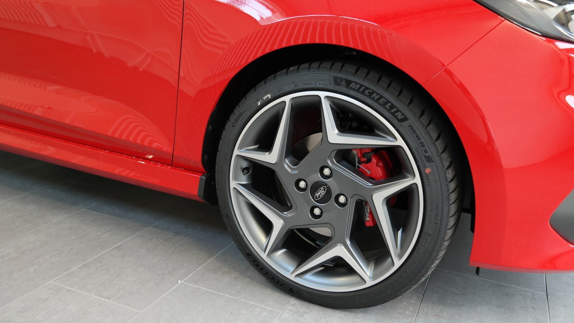 FORD FIESTA Fiesta 1.5 SCTi ST+ rot metallic F+Ch. Müller AG in Sünikon