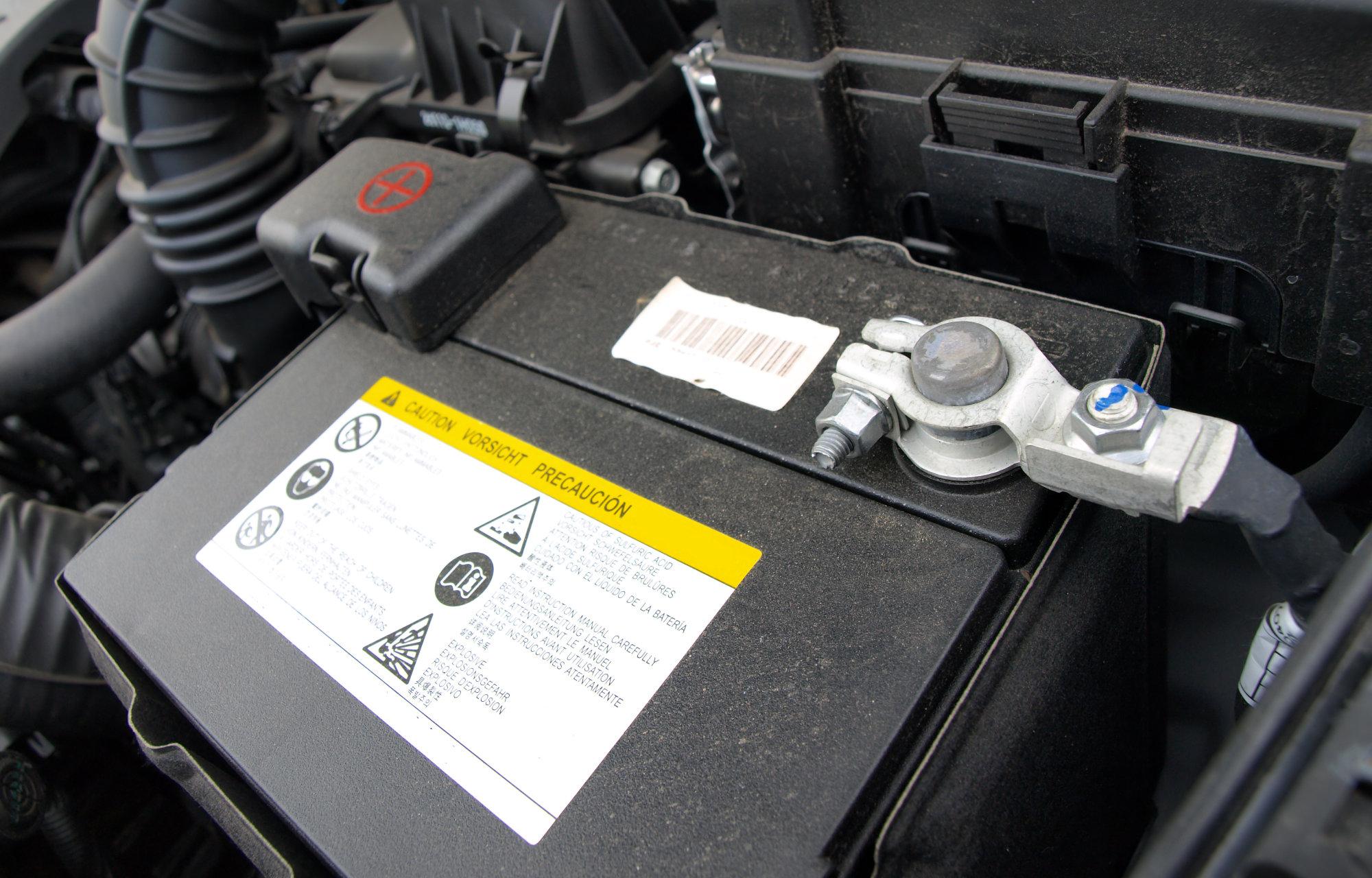 Gratis Batteriecheck Rob's Garage in Meilen