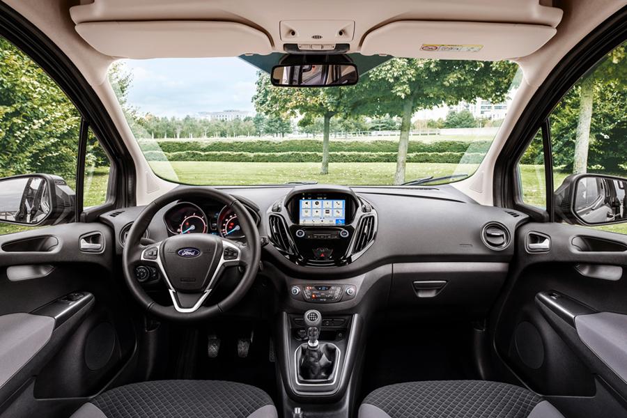 Nový Ford Tourneo Courier - interiér
