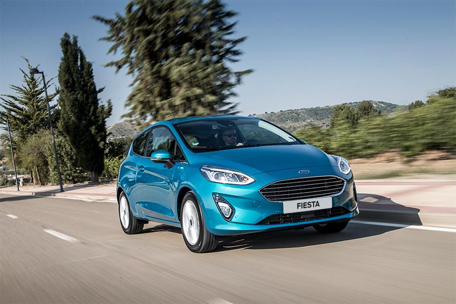 Ford Fiesta Titanium - Modrá Wave