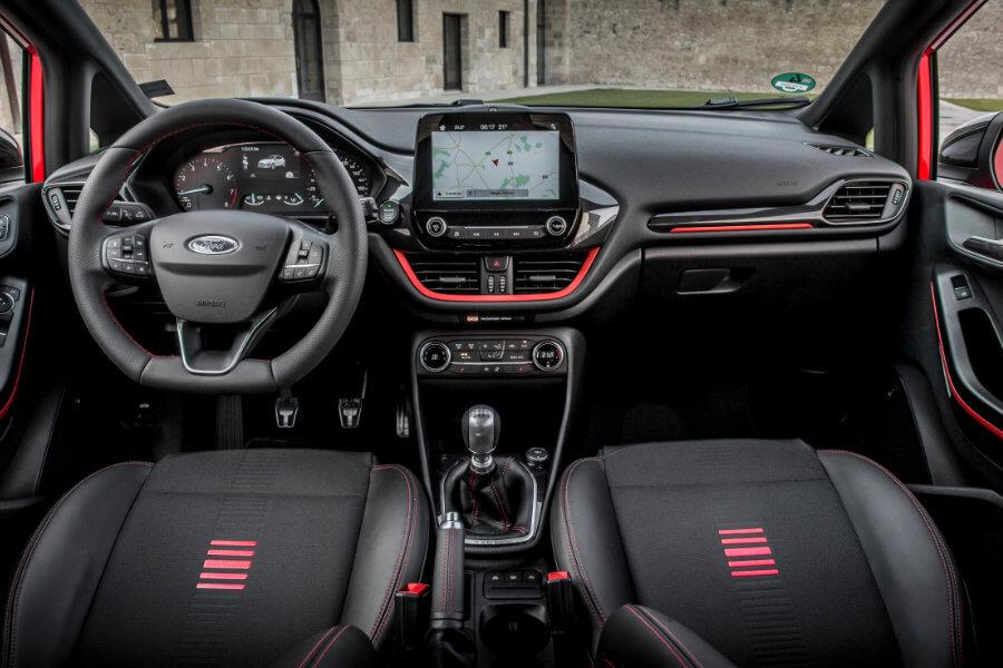 Ford Fiesta - interiér