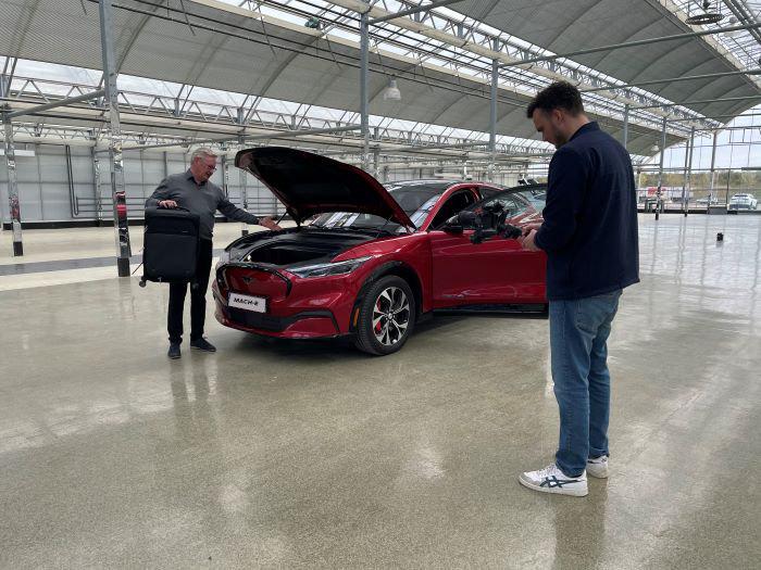 Ford Mustang Mach-E sælger beskriver bil