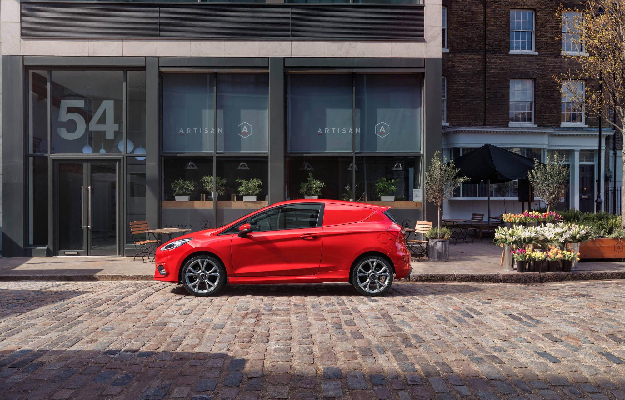 Täysin uusi Ford Fiesta Van