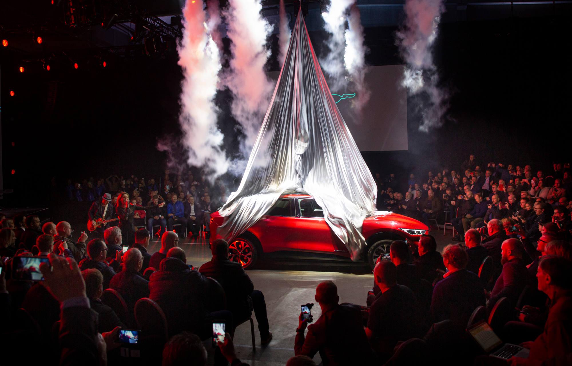 Mustang Mach-E ensiesittely