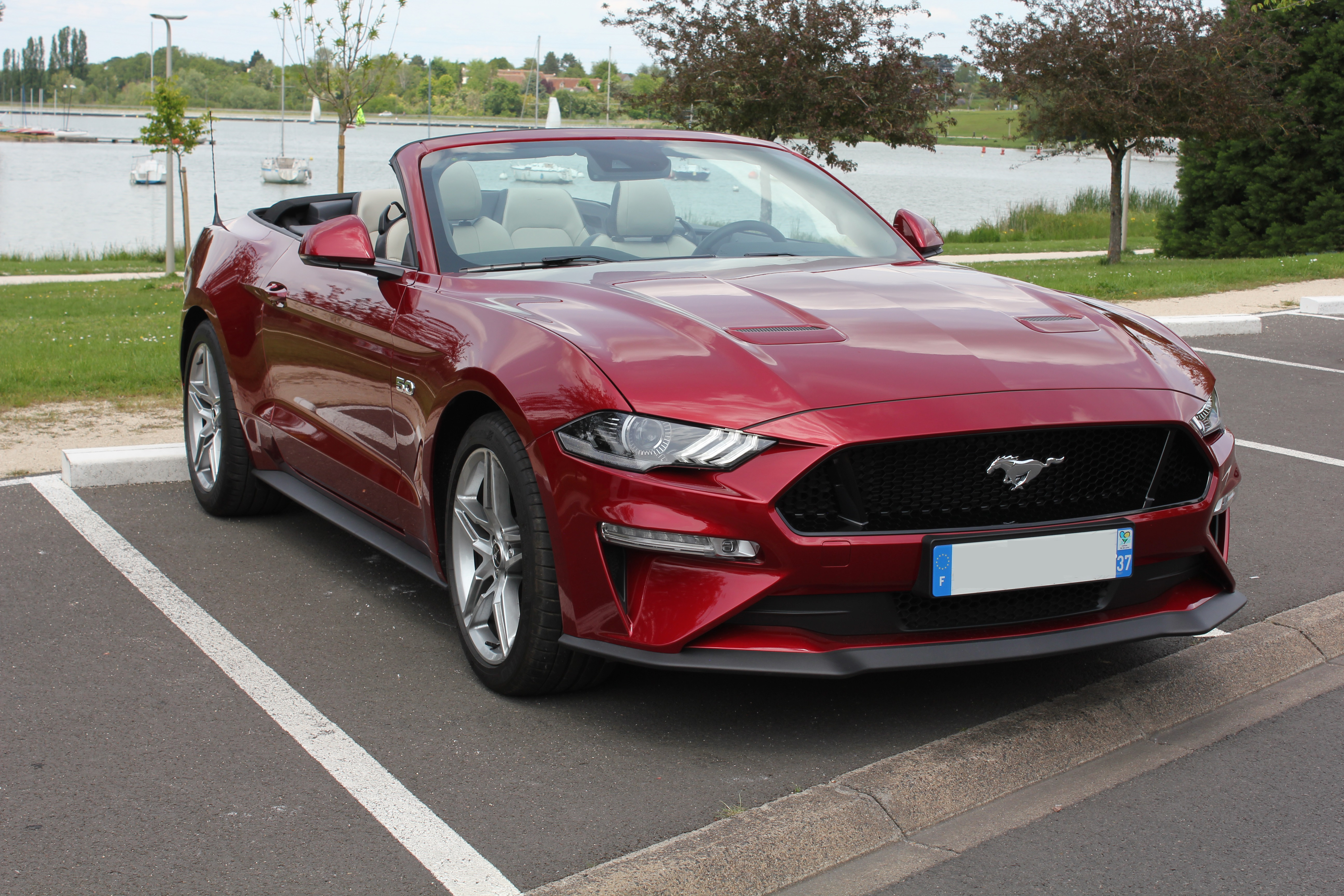 Mustang V8 Convertible BVA Rouge Candy