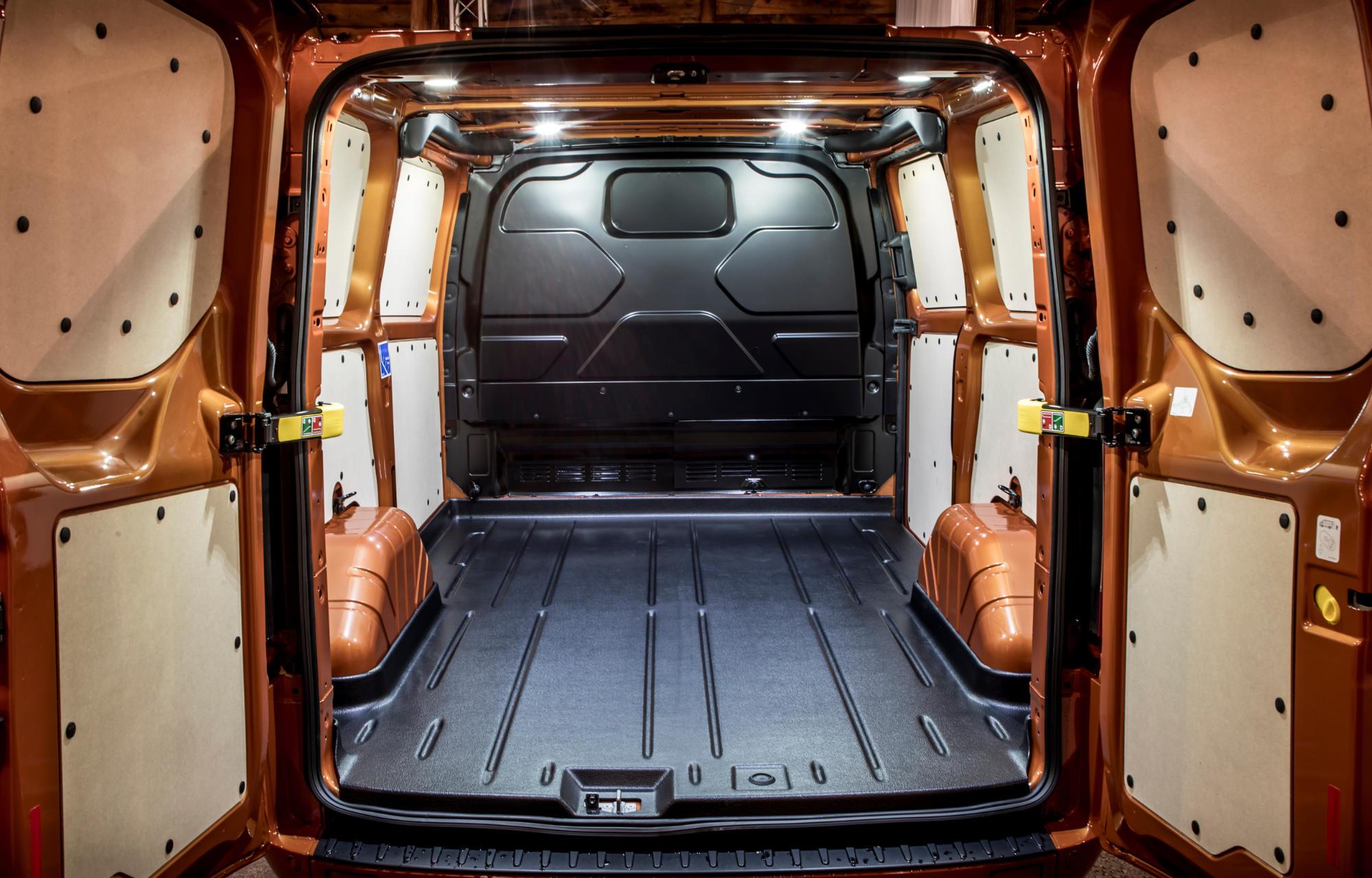 Le grand espace du Nouveau Ford Transit Custom