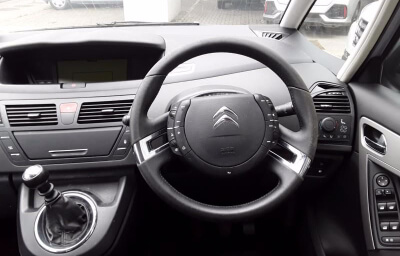 Front-left interior panel view - silver 2013 (131) Citroen C4 Picasso 1.6 HDI Diesel - Save €1000 only at Slaney View Motors