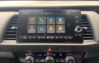 Interior Sat Nav view - red 2021 (212) Honda Jazz 1.5 i-MMD Elegance - Save €1,995 only at Slaney View Motors