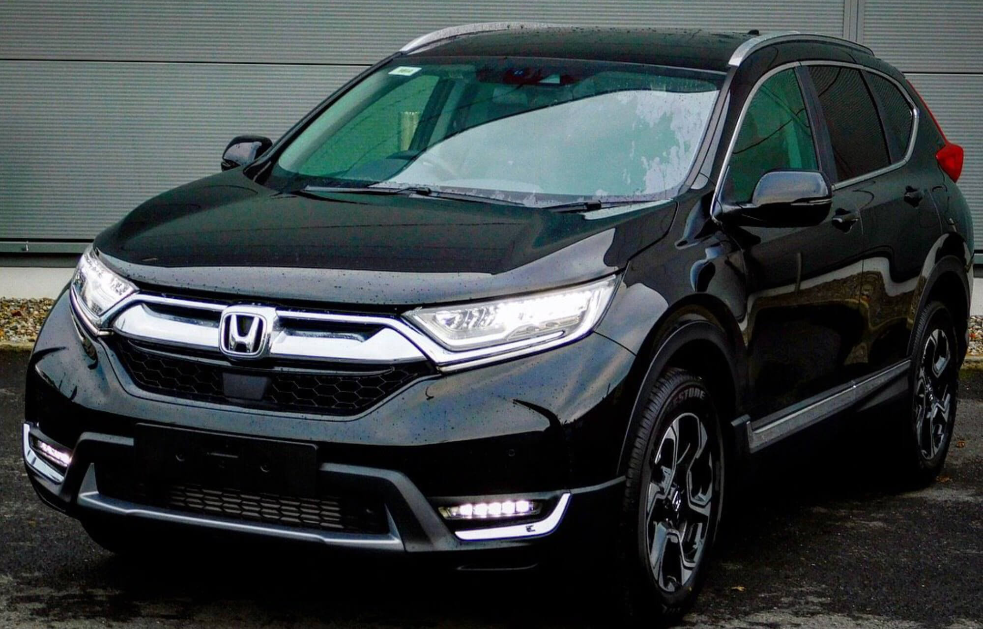 The first CR-V Elegance gets delivered at Fitzpatrick's Garage
