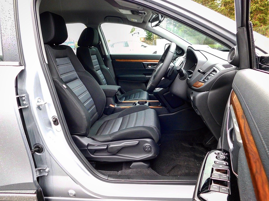 2019 CR-V Hybrid Lifestyle 2.0 i-MMD 2WD available for immediate delivery