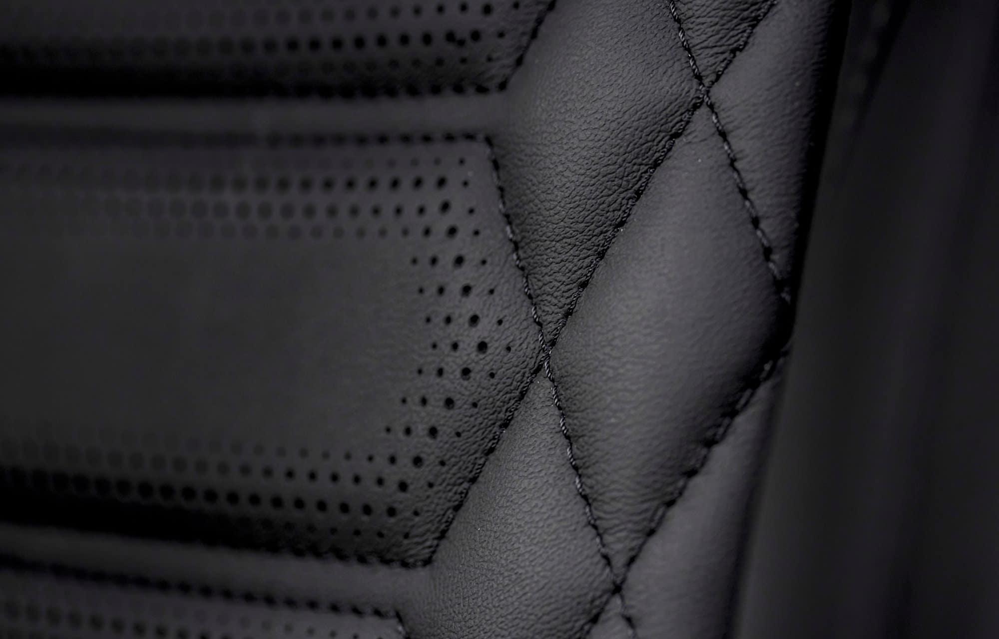 Ford Puma Vignale interieur stiksels