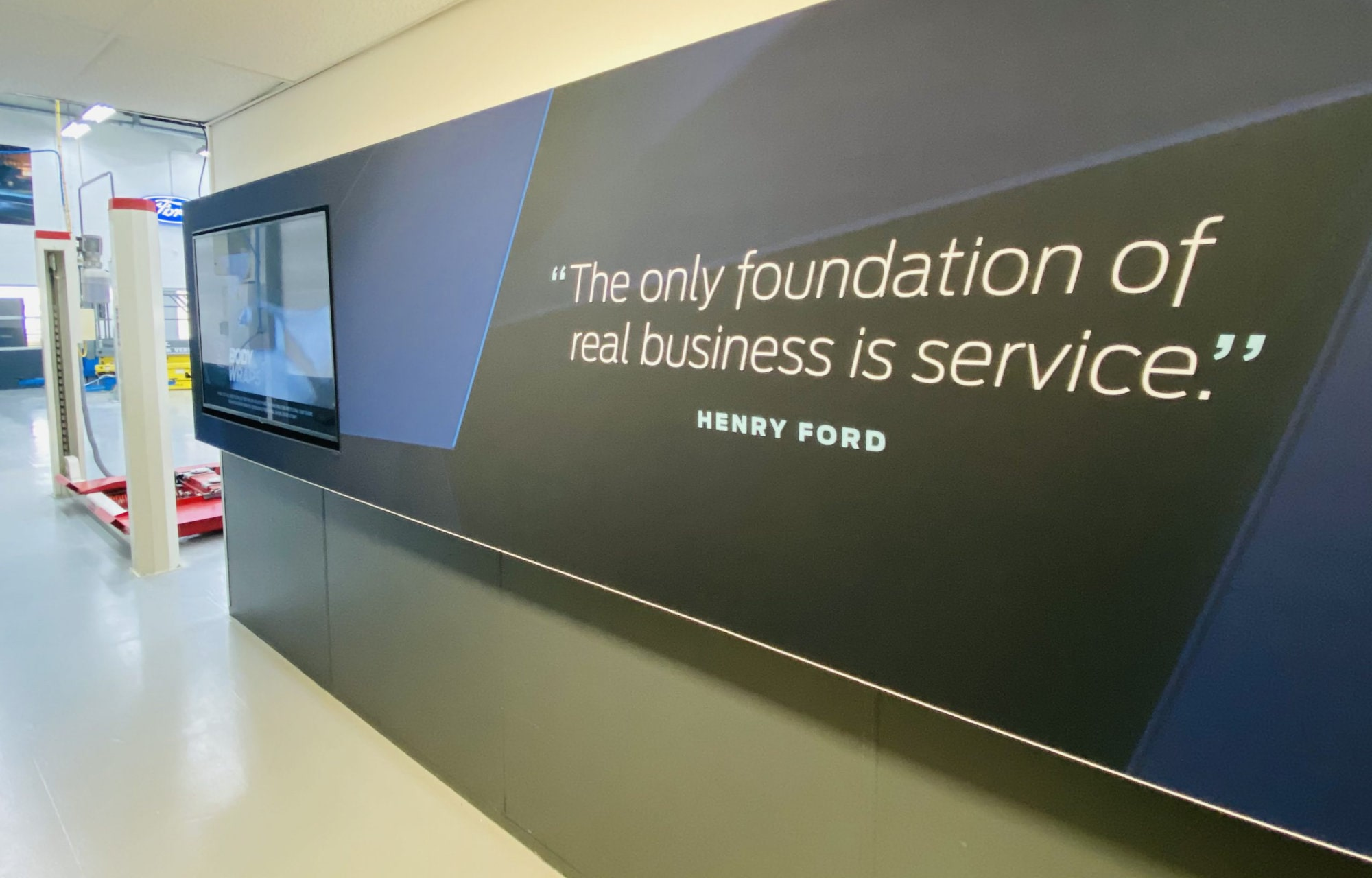 The only foundation of real business is service - quote van Henry Ford