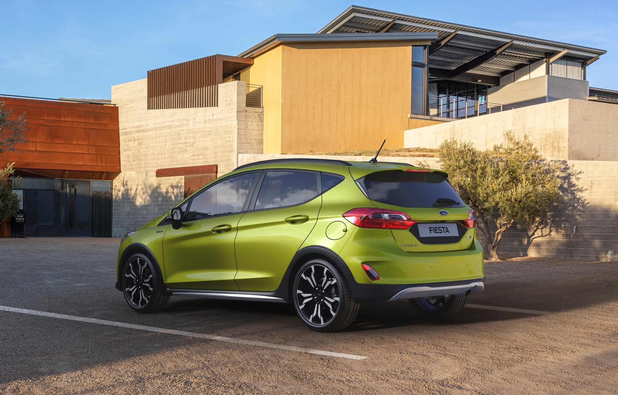 Grønn Ford Fiesta Hus