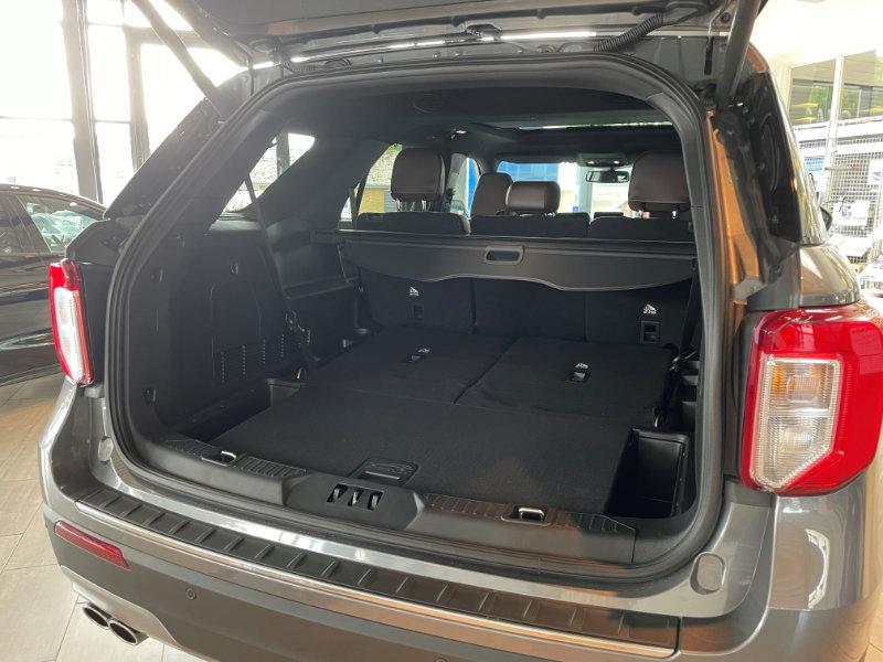Ford Explorer 4