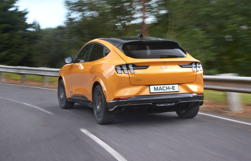 Mustang Mach-E GT gul