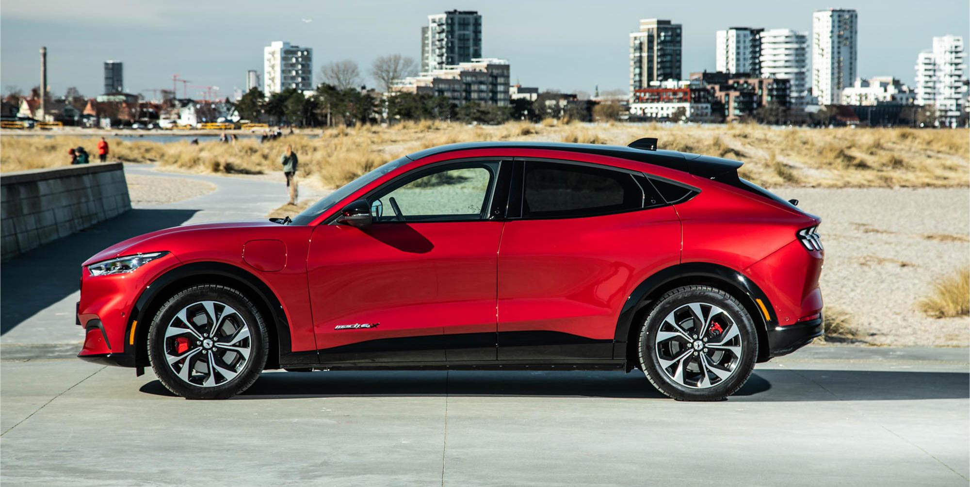 Ford Mustang Mach-E rød