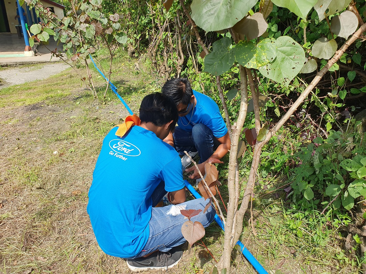 GLOBAL CARING MONTH - FORD TARLAC