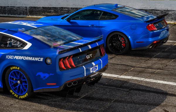Ford Mustang - tylne światła