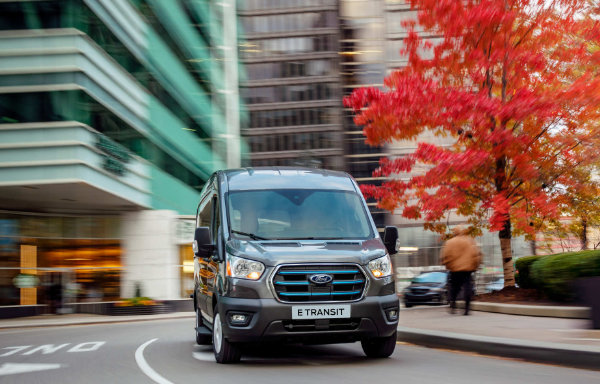 nowy Ford E Transit