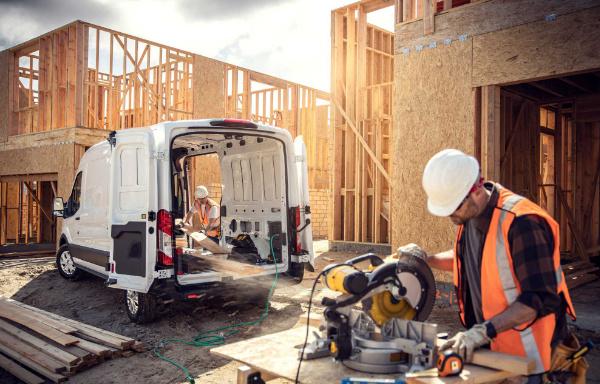 nowy elektryczny Ford E Transit