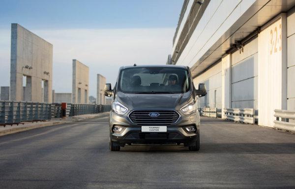 Ford Tourneo Custom Plug-In Hybrid (1)
