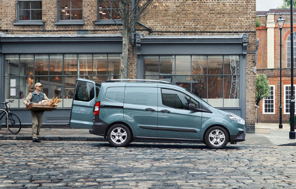 Ford Transit Courier (1)