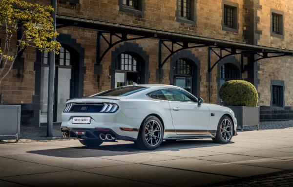 Mustang - tył