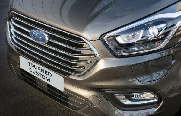 Ford Tourneo Custom Plug-In Hybrid (2)