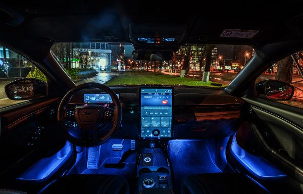 Ford Mustang Mach-E - wnętrze