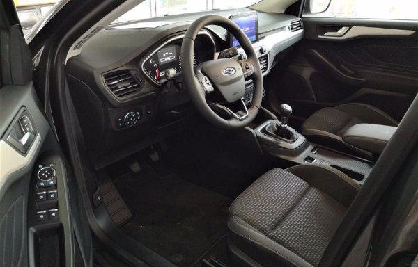 2020 Ford Focus (5)