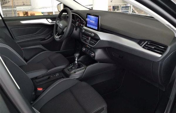 2020 Ford Focus (7)