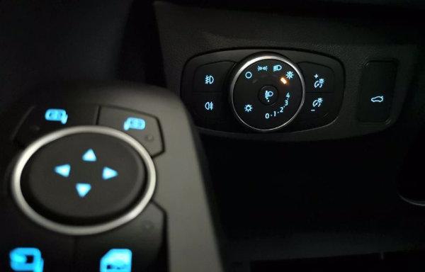 2020 Ford Focus (9)