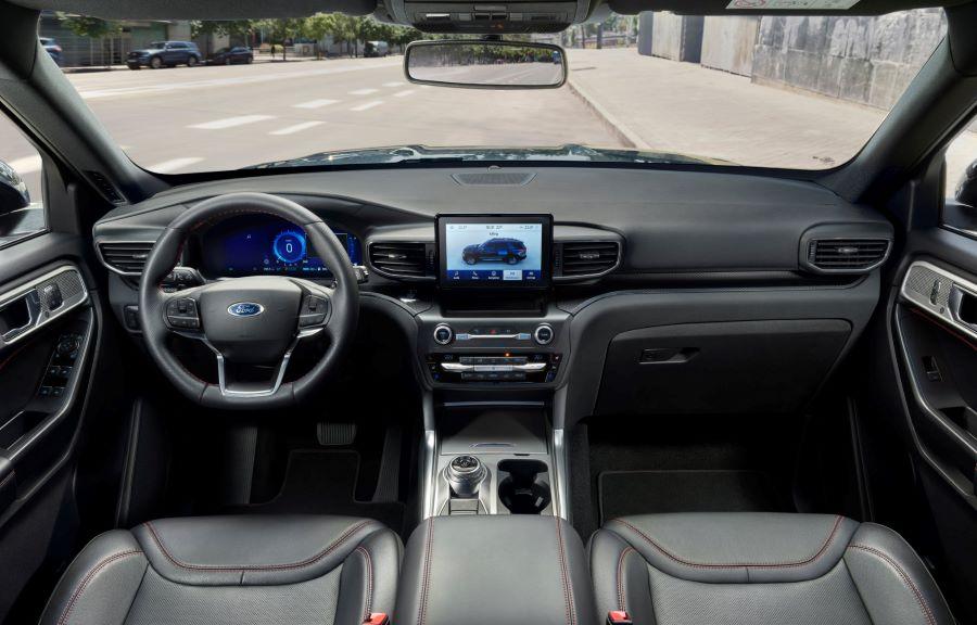 Ford Explorer Cockpit 5