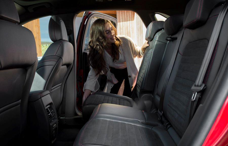 Ford Kuga Plug-in hybrid baksäte