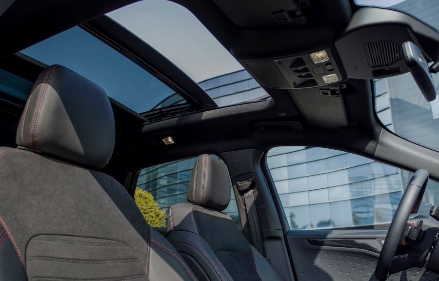 Ford Kuga Plug-in hybrid sollucka