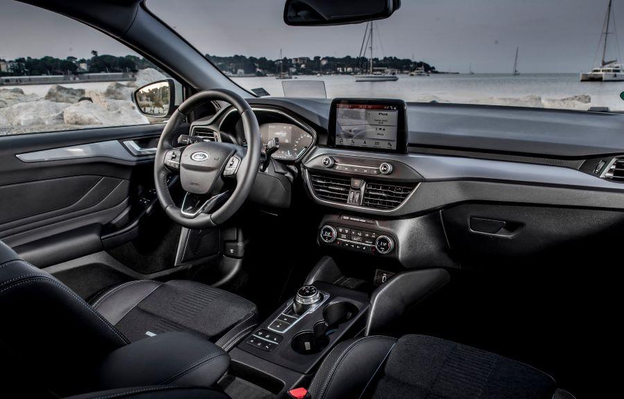 Ford Focus Active - Interiör 1