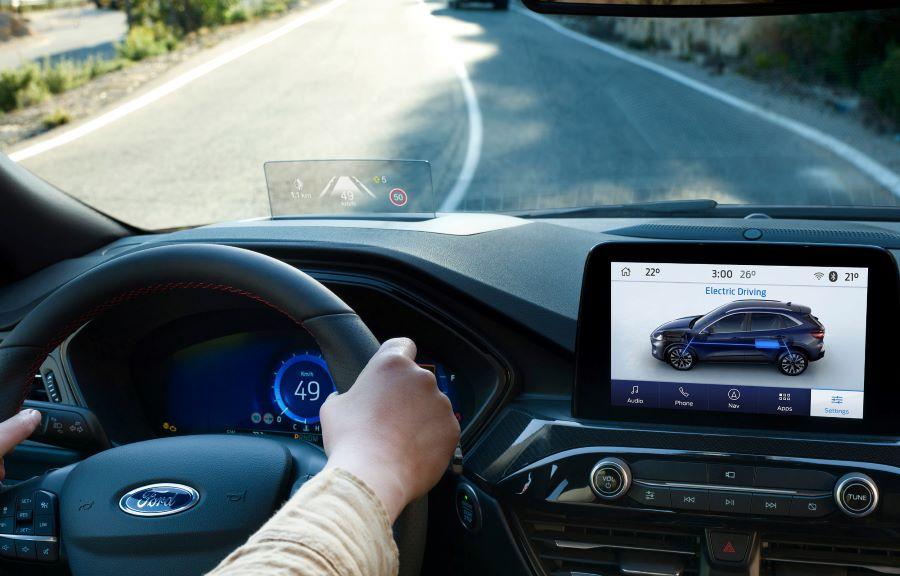 Ford Kuga Plug-in hybrid hastighetsmätare