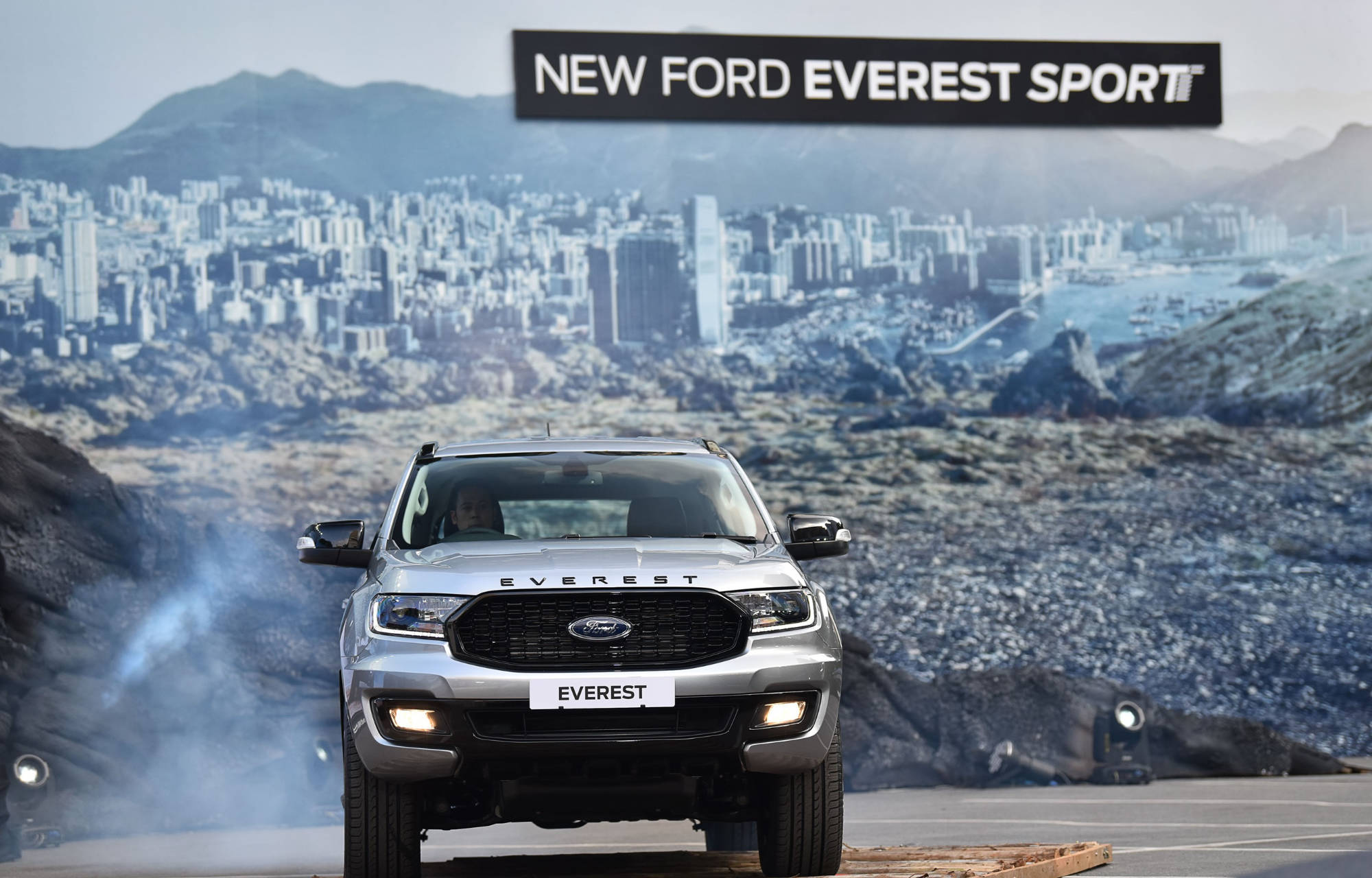 NEW FORD EVEREST SPORT