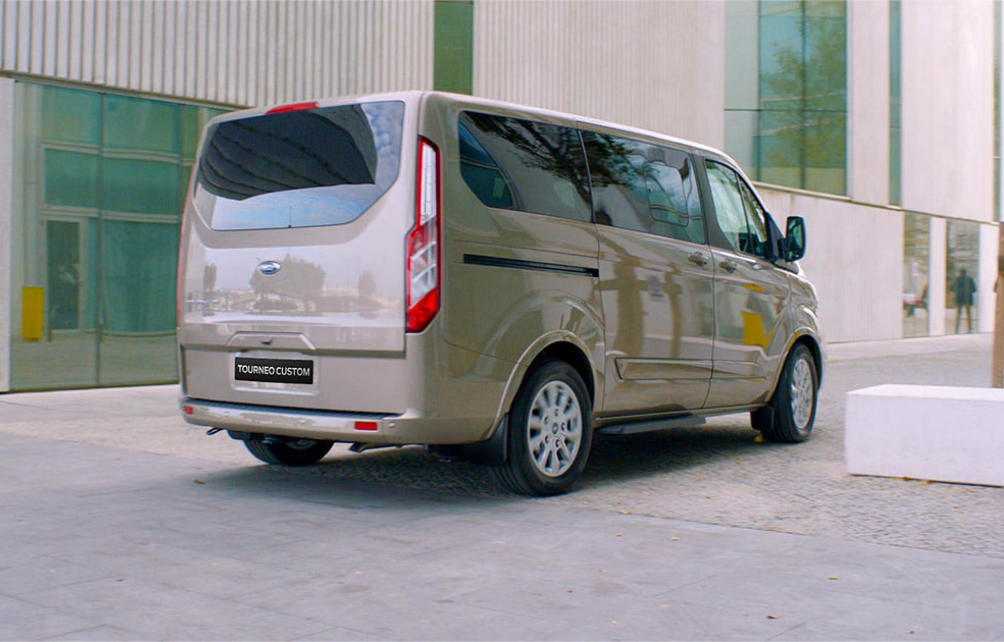 New Ford Tourneo Custom Limited